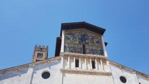 Ejemplo de mosaico artístico en Lucca